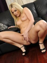 Pictures of Alexis Texas stripping to play with her pussy