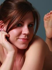 Pictures of Blueyed Cass getting a little naughty in bed