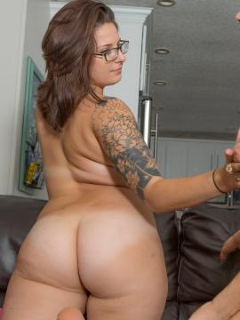 Ivana Bell and Lacci Rutland strip each other on the couch