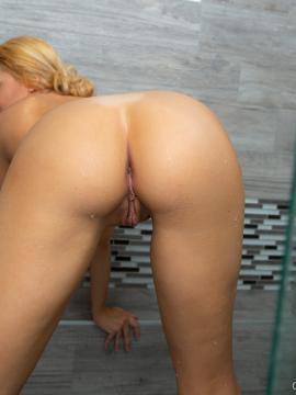 Kylie K Shower Set