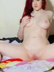 Pictures of Jessica getting naked for you in bed