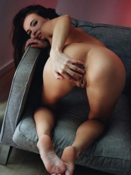 ass feet soles bent-over brunette nude