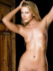 Pictures of blonde girl Jana E totally nude just for you