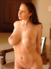 Pictures of Gianna Michaels showing her incredible body
