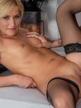 Karups.com model Black Blondie in her naughty exclusive photo shoot!