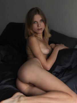 nora-pace blonde nude