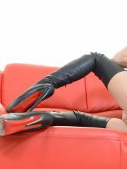 Brunette girl Jessica Jaymes masturbates in her leather boots