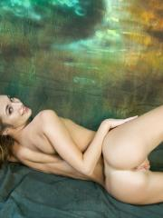 """Pretty girl Steffi strips out of her dress for you in """"Fusta"""""""
