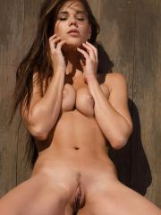 Pictures of Caprice showing her totally nude body outside