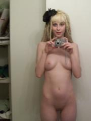 Hot blonde girlfriend with dreadlocks takes naked selfpics in the mirror