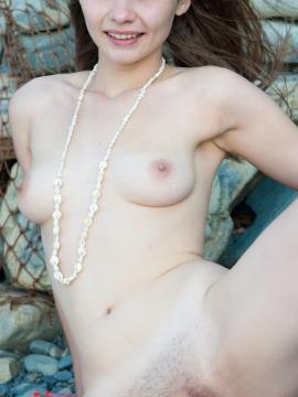 Nude Teen Model Elis