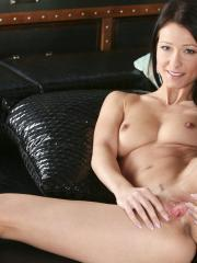 Melisa Mendiny stimulates her pussy with her toy