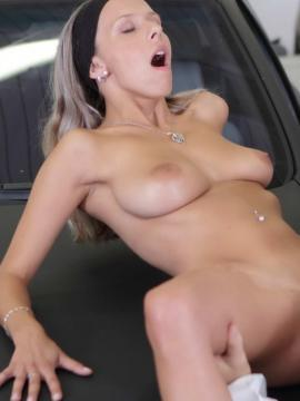 Tracy fucked in garage