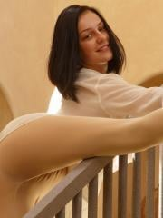 Brunette coed Tracy Maura shows off her hot body